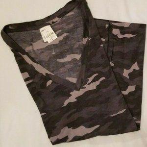 2 victoria secret v neck t shirts black camo Med